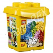 LEGO Bricks & More 1